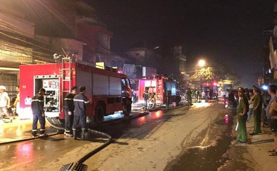 Hà Nội: Cháy lớn ở chợ Xốm - Hà Đông