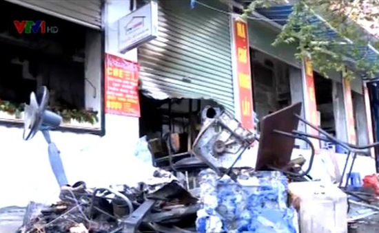 Hà Nội: Cháy nhà 5 tầng, 7 người may mắn thoát nạn