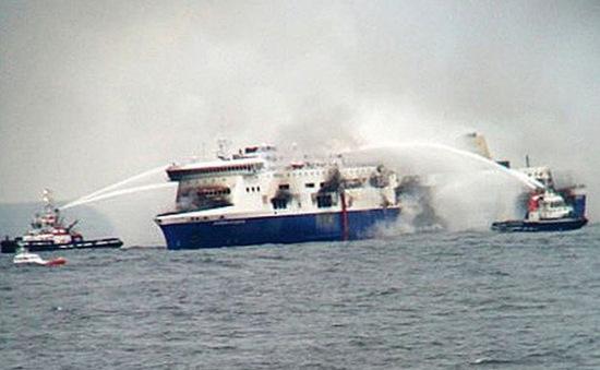Phà chở 544 hành khách cháy ở miền Trung Philippines