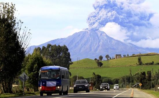 Chile: Núi lửa Calbuco hoạt động mạnh trở lại