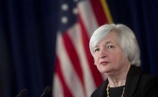 Nhà đầu tư chờ đợi thông tin về lãi suất của FED