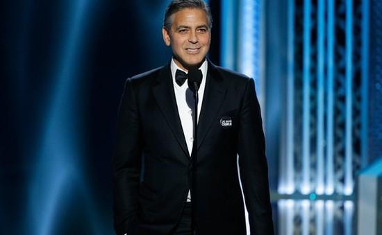 George Clooney diện đồ cưới lên nhận giải Quả cầu vàng