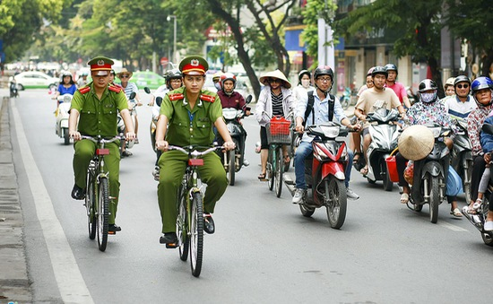 Hà Nội: Công an thí điểm tuần tra bằng xe đạp