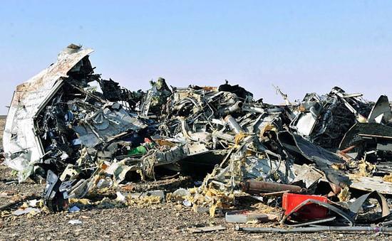 Hiện trường vụ rơi máy bay Nga và giọt nước mắt của gia đình các nạn nhân
