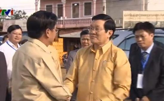 Chủ tịch nước gặp gỡ các lãnh đạo Lào