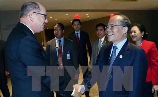 Chủ tịch Quốc hội gặp gỡ lãnh đạo Quốc hội các nước