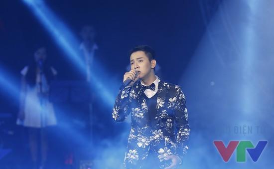 Bản hit của Hoài Lâm thắng thế trên BXH Bài hát yêu thích