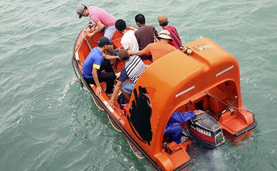 Giao 8 nghi phạm cướp tàu chở xăng cho Bộ Công an xử lý