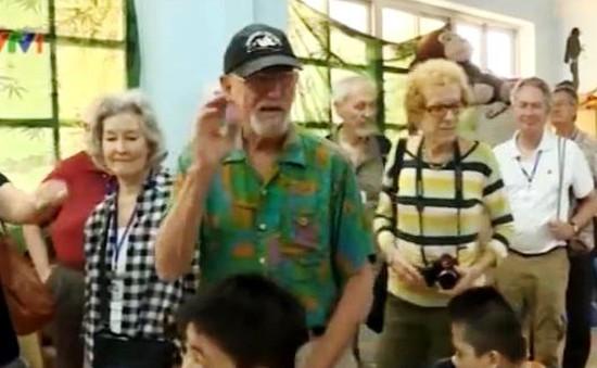 Cựu chiến binh Mỹ đi bộ xuyên Việt vì hòa bình