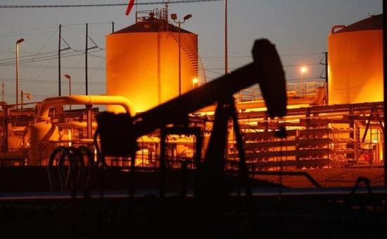 Thị trường tài chính lao đao theo giá dầu