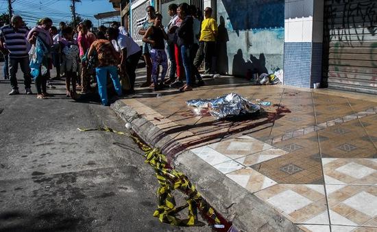 Brazil: Đấu súng làm nhiều người thiệt mạng