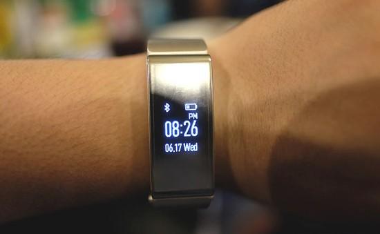4 thiết bị đeo tay thông minh thú vị nhất năm 2015