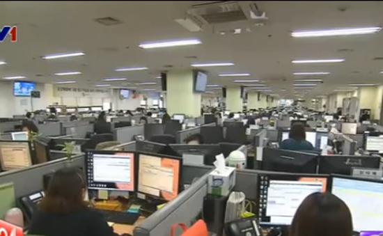 Áp lực mỉm cười của nhân viên ngành dịch vụ ở Hàn Quốc
