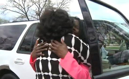 Người mẹ tìm được con gái sau 50 năm thất lạc