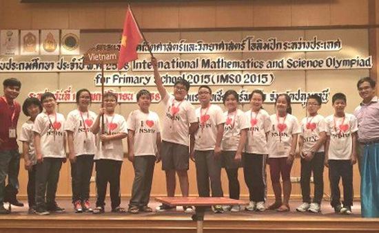 Học sinh Hà Nội giành 11 huy chương Toán - Khoa học quốc tế