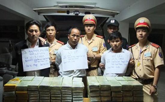 Lào Cai:Phá vụ buôn bánma túy lớn, thu227 bánh heroin