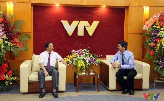 Đồng chí Tô Huy Rứa thăm và chúc mừng một số cơ quan báo chí