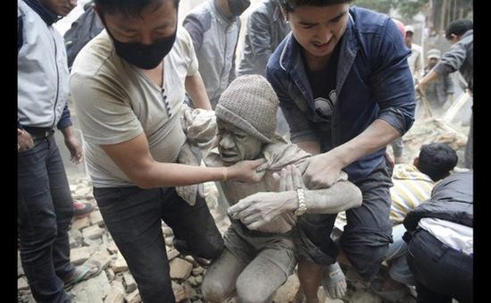 Gần 10.000 người thương vong do động đất tại Nepal