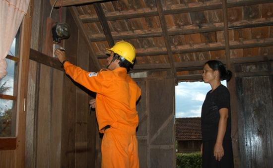 Biểu giá điện sinh hoạt 3 - 4 bậc phù hợp với hộ nghèo