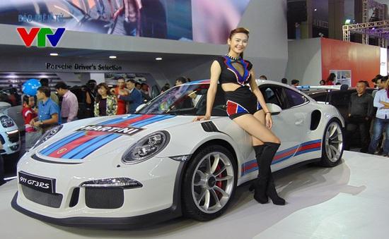 Mãn nhãn với dàn siêu xe tại Triển lãm ô tô quốc tế Việt Nam