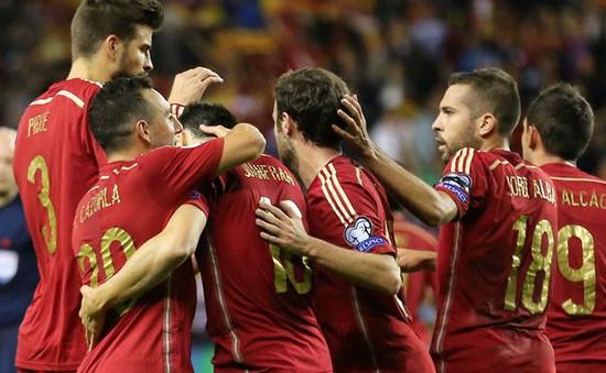 Khen chê Fabregas và Pedro ở tuyển Tây Ban Nha