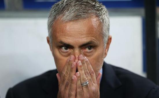 Lịch thi đấu vòng 4 Capital One Cup: Ngày phán quyết của Mourinho
