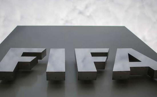 """NÓNG: Thêm 2 quan chức FIFA """"nhúng chàm"""" trong vụ bê bối tham nhũng"""
