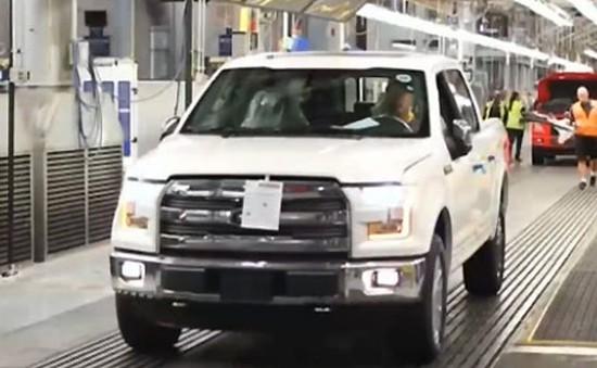 Hãng Ford thu hồi hơn 300.000 xe do lỗi đèn