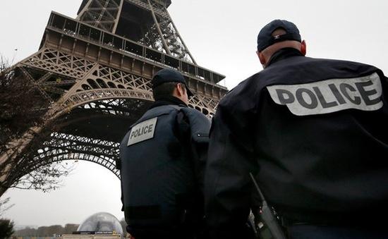 Nhiều ý kiến trái chiều về dự luật tình báo mới của Pháp