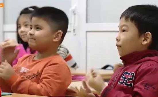 Hiệu quả từ việc dạy ngôn ngữ ký hiệu cho trẻ điếc