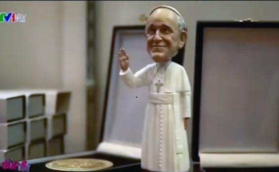 Mỹ: Quà lưu niệm in hình Giáo hoàng bán chạy