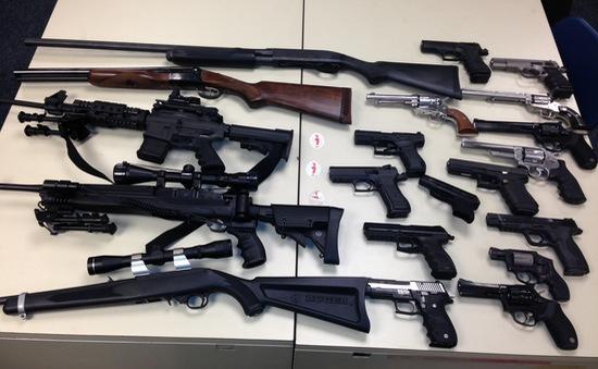 Thu giữ 10.000 khẩu súng tại Carolina, Mỹ