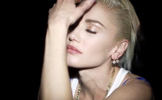 Gwen Stefani khóc lóc vì chồng cũ trong MV mới