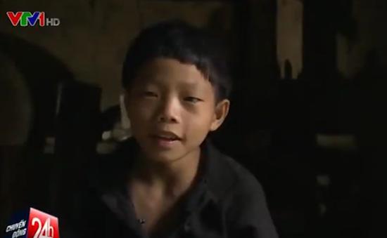 Gánh nặng gia đình trên vai hai em nhỏ ở Hà Giang