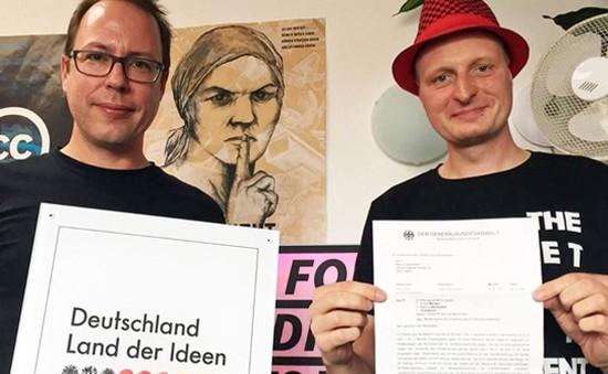 Đức hoãn điều tra hai nhà báo về tội phản quốc