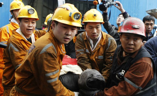 Nổ mỏ than tại Trung Quốc, 19 người mắc kẹt