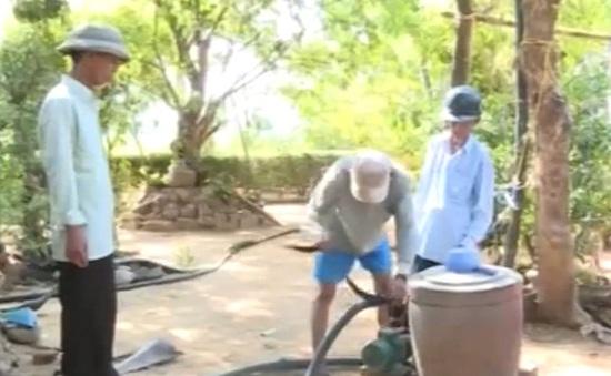 Bình Định: Người dân tích cực tìm nguồn nước chống hạn