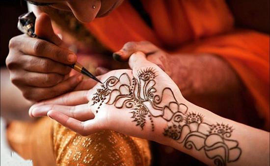 Hiểm họa từ mực xăm Henna