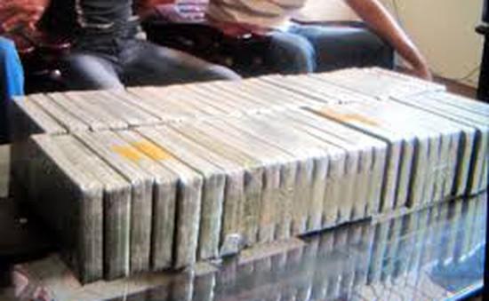 Sơn La: Thu giữ 3 bánh heroin, 5kg thuốc phiện