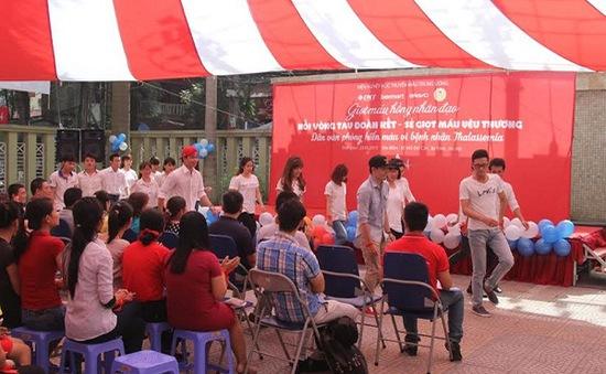 Hơn 200 nhân viên văn phòng tham gia hiến máu nhân đạo