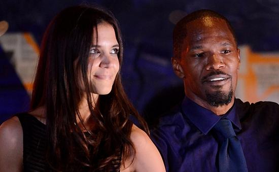 Vợ cũ Tom Cruise dính tin đồn tình cảm với Jamie Foxx