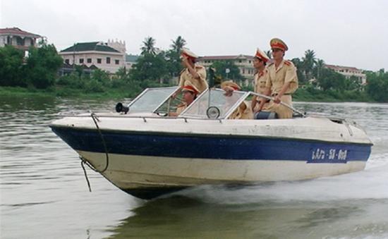 Thừa Thiên-Huế siết chặt an toàn giao thông đường thủy