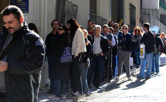 """""""Bữa ăn thiện nguyện"""" phát hơn 1 tấn thức ăn cho dân nghèo Hy Lạp"""