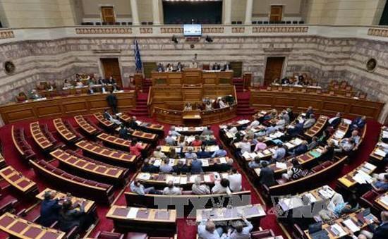 Ủy ban Quốc hội Hy Lạp thông qua thỏa thuận với các chủ nợ