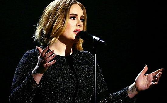 Adele ngự trên ngai vàng 5 tuần liên tiếp