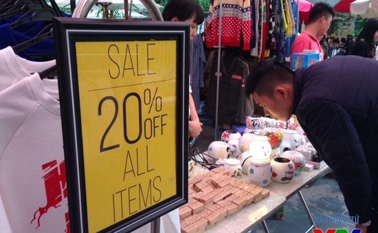 Phong cách cùng phiên chợ Hanoi Uppik của giới trẻ Hà thành