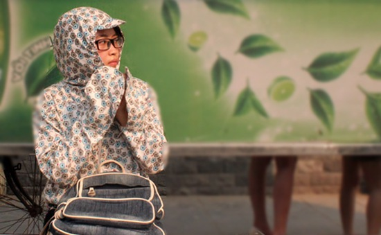 Người Hà Nội uể oải trong nắng nóng đầu hè
