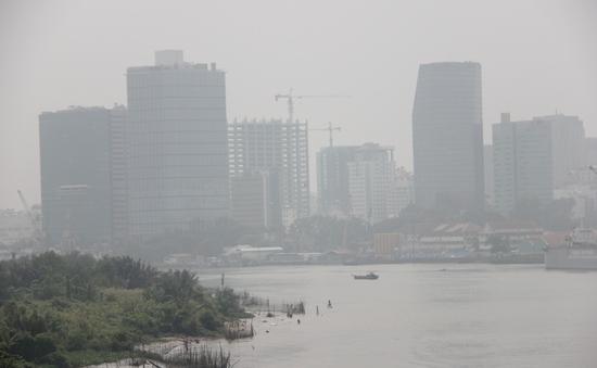 TP.HCM bước sang ngày thứ năm chìm trong khói mù