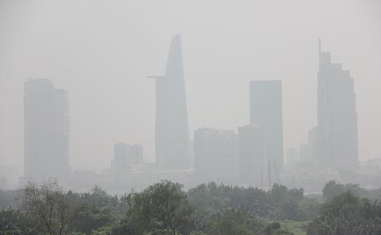 Mù khô bất thường tiếp tục bao trùm Nam Bộ