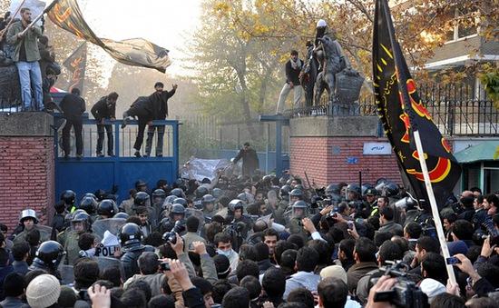 Anh mở lại Đại sứ quán tại Iran